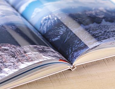 Digitaldruck mit Hochglanz-Veredelung