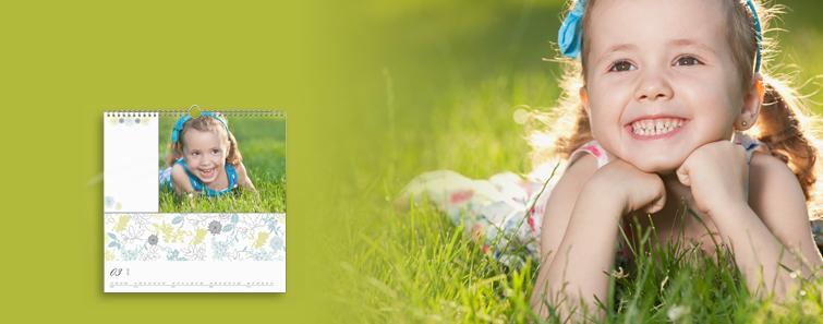 Comandă online calendar de perete pătrat cu propria fotografie - Cewe.ro