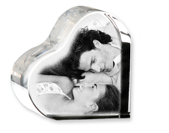 PRODUCT DETAILS: CRYSTAL HEART-SHAPED PHOTO