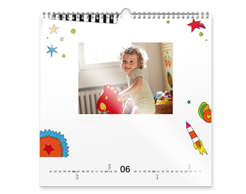 Vaše fotografije na 12+1 stranicama kvadratnog zidnog kalendara