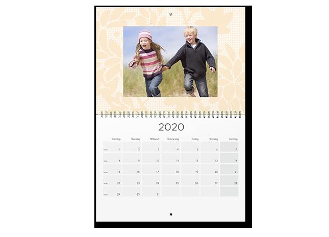 12+1 egyedileg tervezhető A2 határidőnaptár oldal - Cewe