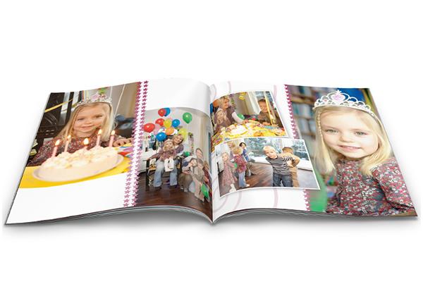 Fotoboek small met foto's van een feestje