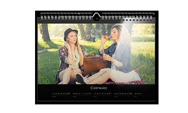 Kalendarz ścienny A4 na papierze foto
