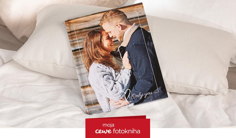 CEWE FOTOKNIHA Pure vo Valentínskom prevedení